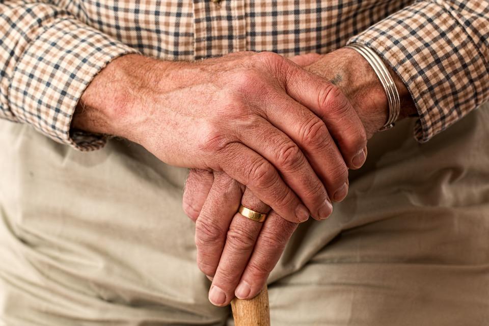 Was sind Seniorenbetten und wer braucht das?
